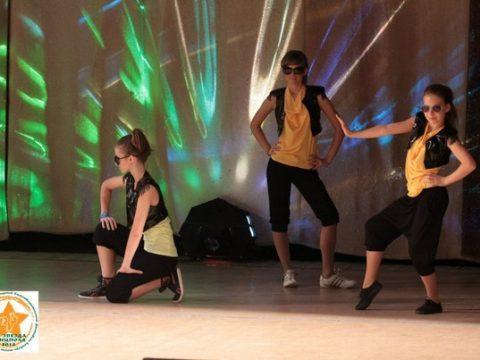 dance-num